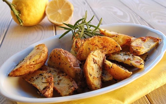 Запечённая картошка с лимоном фото