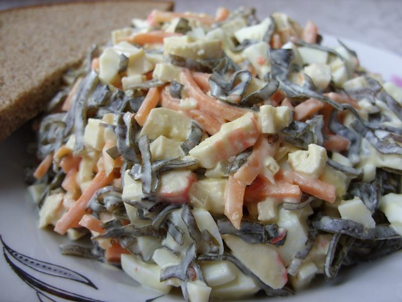 Салат с морской капустой и крабовым мясом фото