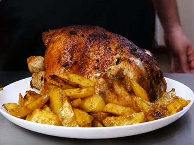Хрустящая курица в духовке с картошкой фото