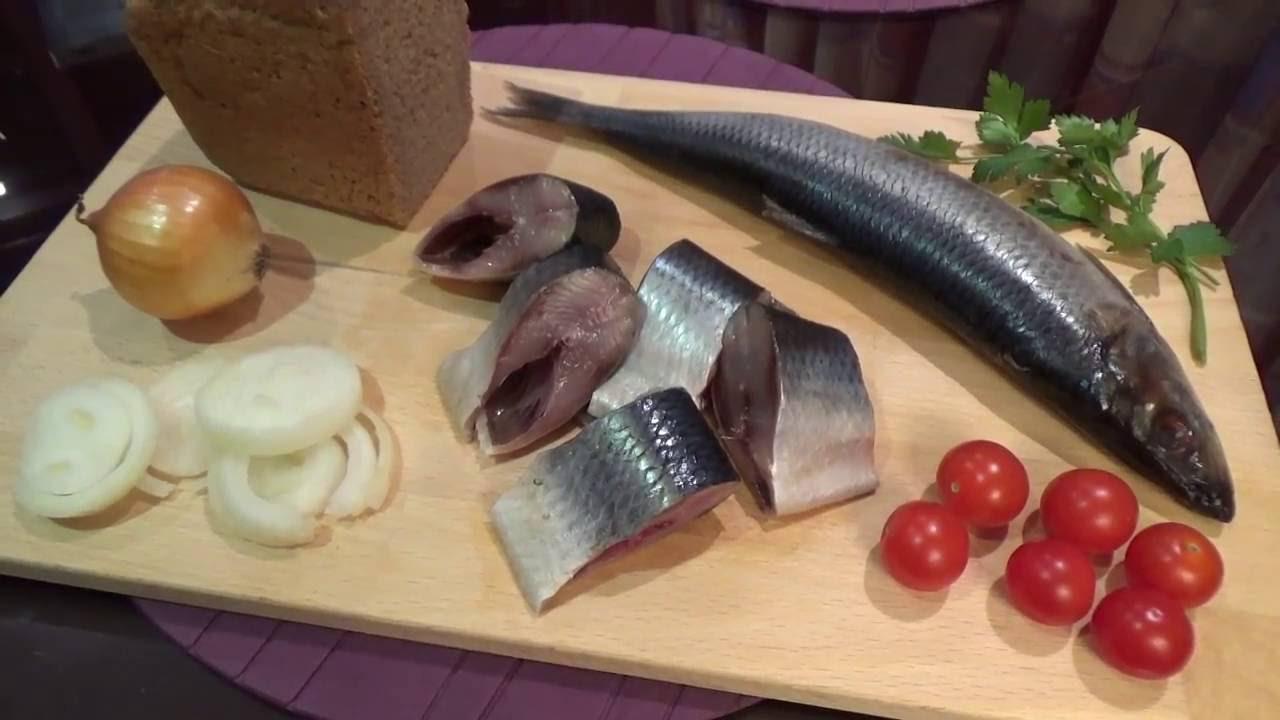 Как быстро и вкусно засолить селедку — сухой посол с использованием лука и масла фото