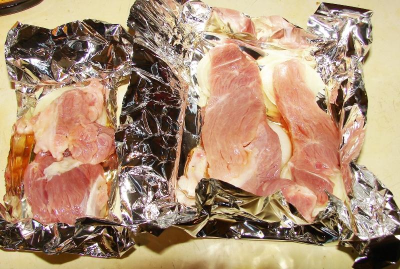 Как приготовить мясо зайца в духовке в фольге фото