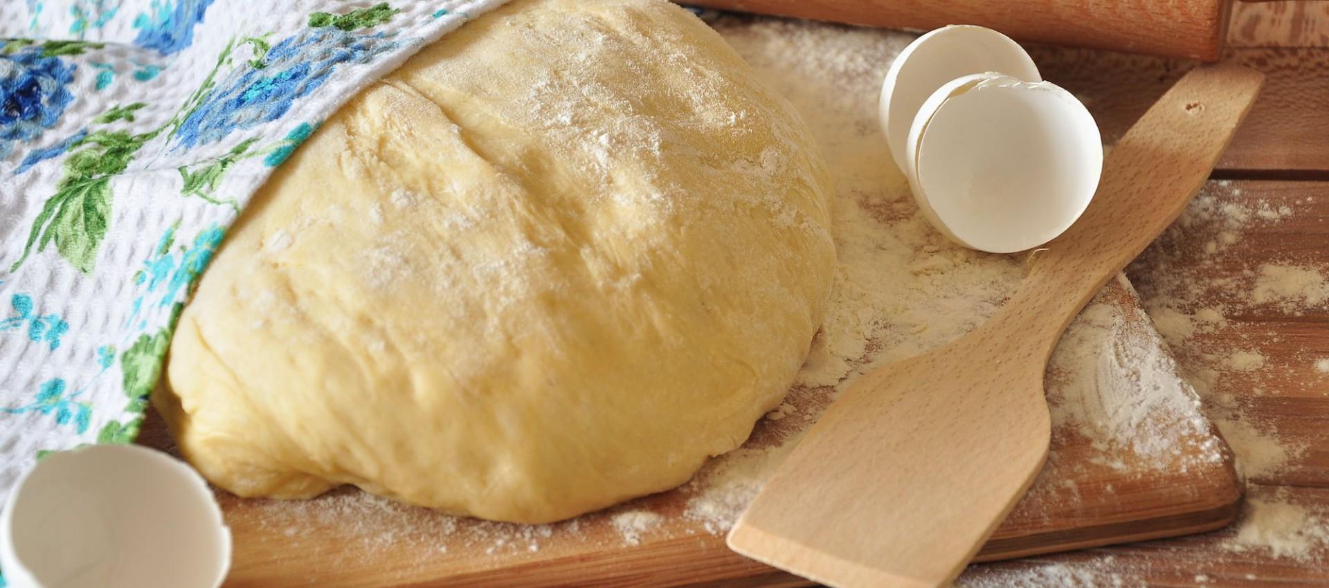 Как приготовить пельменное тесто на воде с яйцами фото