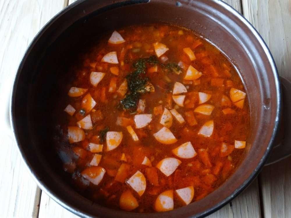 Как приготовить солянку с колбасой и сосисками фото