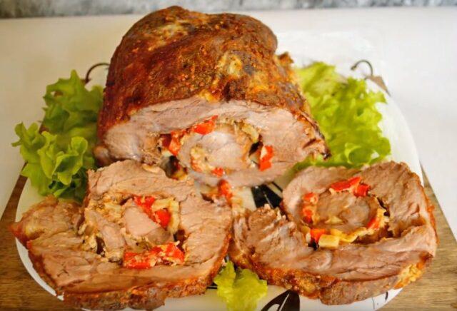 Свинина, запеченная в духовке — 9 простых и вкусных рецептов фото