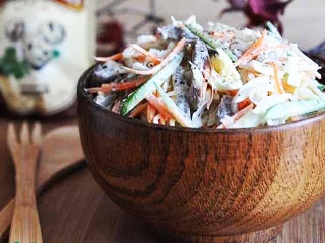 Узбекский капустный салат с мясом и редькой фото