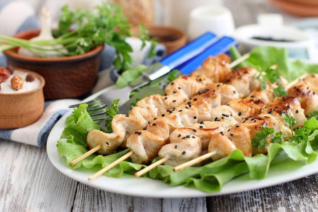 10 самых вкусных маринадов для шашлыка из курицы, чтобы мясо было мягким и сочным фото