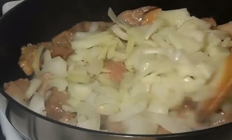 Гуляш из свинины как в детском саду рецепт с фото