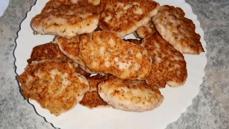 Котлеты из куриного фарша с кефиром и мукой — пошаговый рецепт