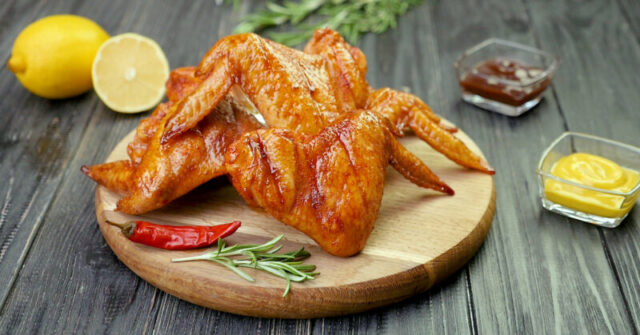 Куриные крылья в духовке с хрустящей корочкой — самые вкусные рецепты крылышек фото