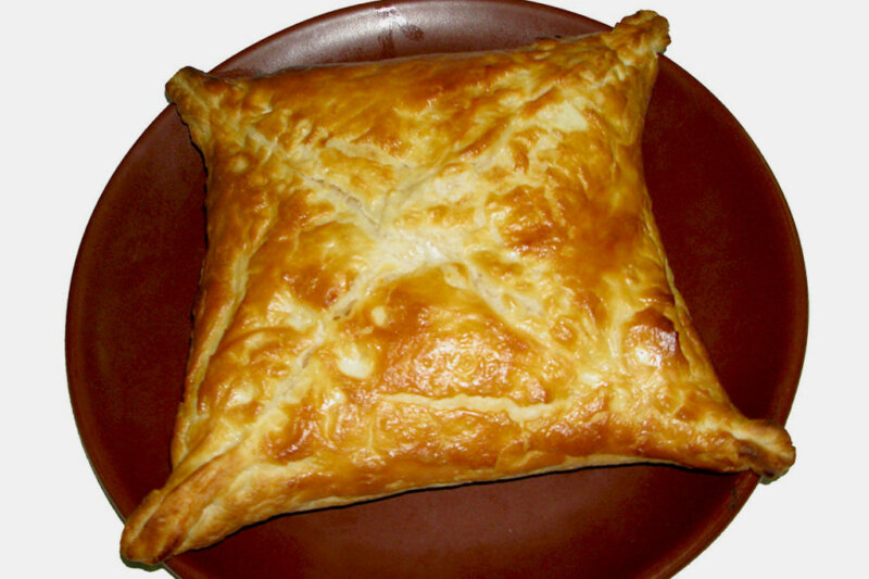 Хачапури из готового слоеного теста с сыром — рецепт приготовления в духовке фото