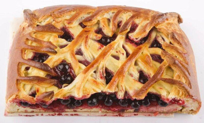 Пирог со смородиной из готового слоеного теста фото