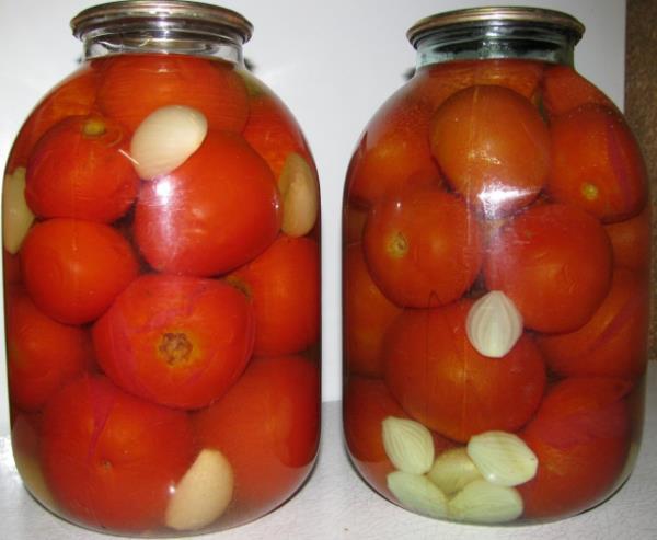 Маринованные помидоры с чесноком фото