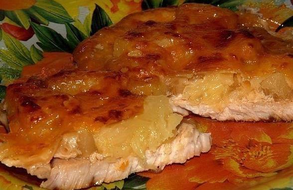 Мясо по-французски с ананасом в духовке фото