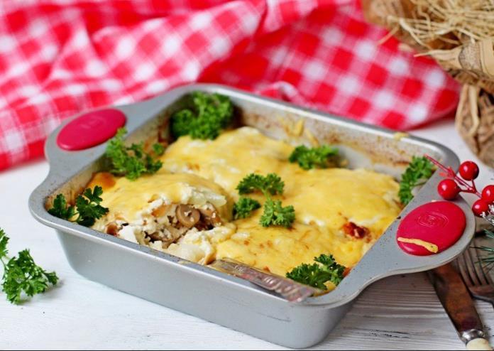 Мясо по-французски с сыром и грибами фото