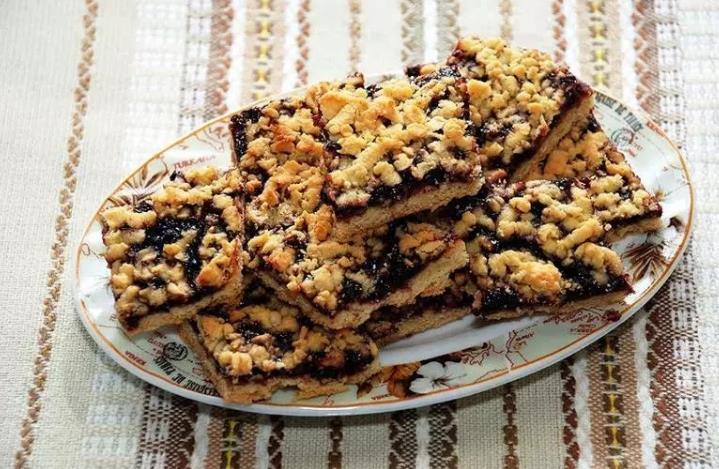 Песочное печенье с вареньем и крошкой фото