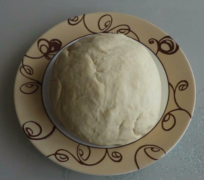 Тесто на чебуреки на молоке фото