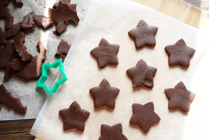 Шоколадное песочное печенье фото