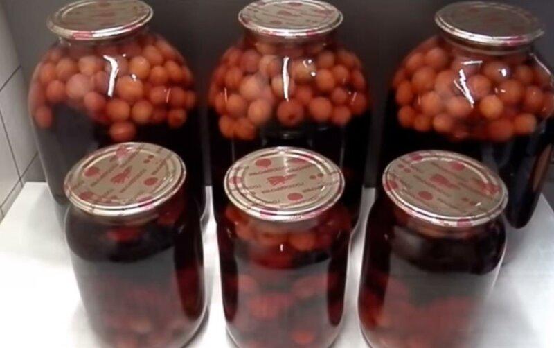 Вкусный рецепт компота из вишни с косточками