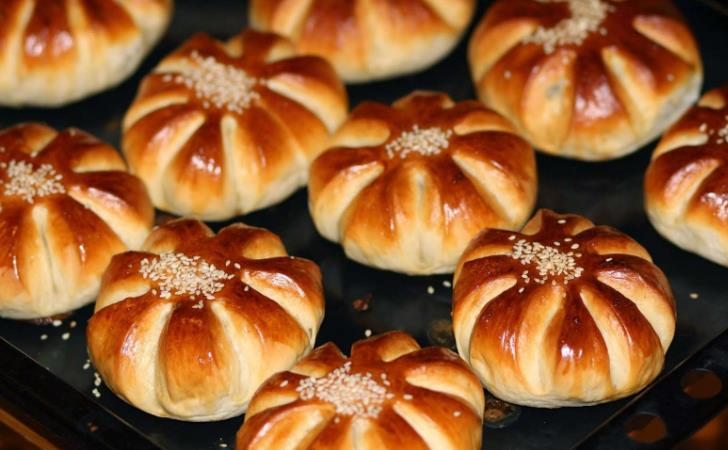 Сдобные булочки из дрожжевого теста — рецепт вкусных дрожжевых булочек фото