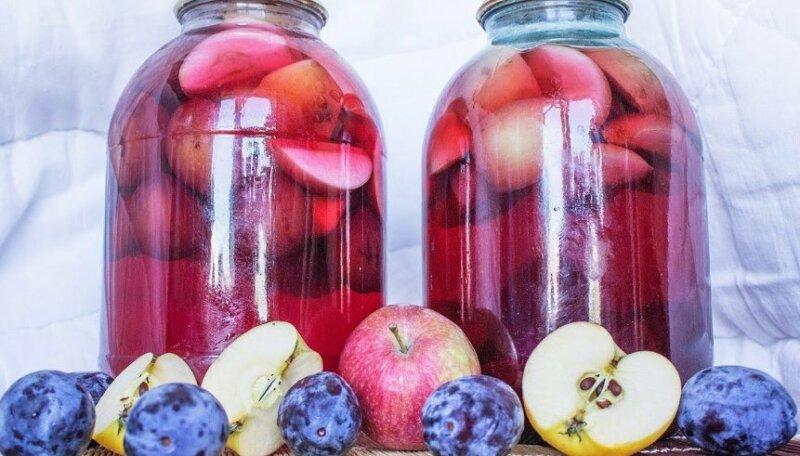 Как сварить компот из яблок и слив фото