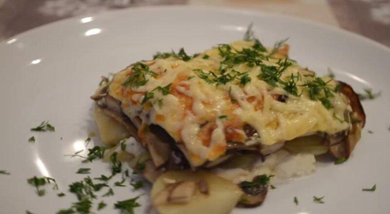 Картофельная запеканка с грибами и сыром в духовке — пошаговый рецепт с добавлением сливок фото