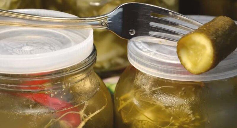 Квашеные огурцы с водкой на зиму на литровую банку фото