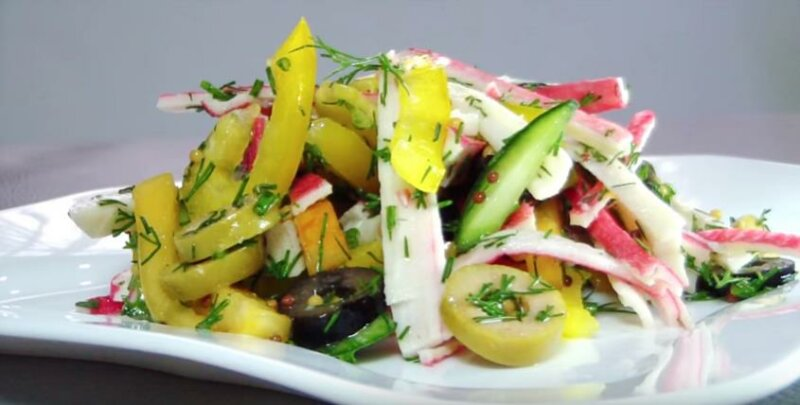 Легкий салат с крабовыми палочками без майонеза