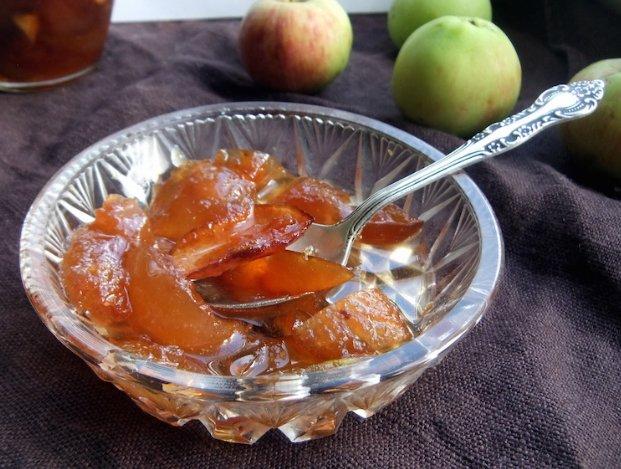 Рецепт варенья из яблок «Белый налив» на зиму фото