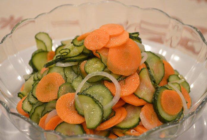 Салат из свежих огурцов на зиму фото