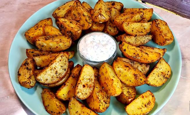 Вкуснейшая картошка по-деревенски в духовке — рецепт как в Макдональдсе