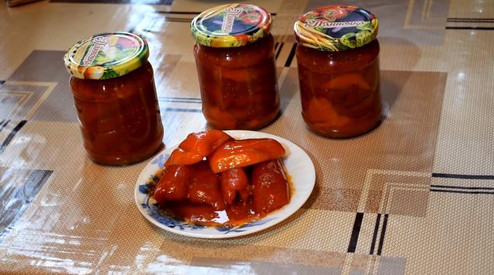 Вкусное лечо на зиму из болгарского перца с томатным соком