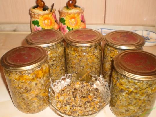 Икра из вареных грибов на зиму с чесноком: самый вкусный рецепт грибной икры