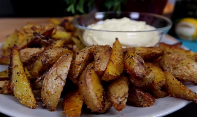 Картошка по-деревенски в духовке – вкусные рецепты ароматного картофеля