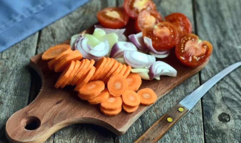 морковь,лук,помидоры