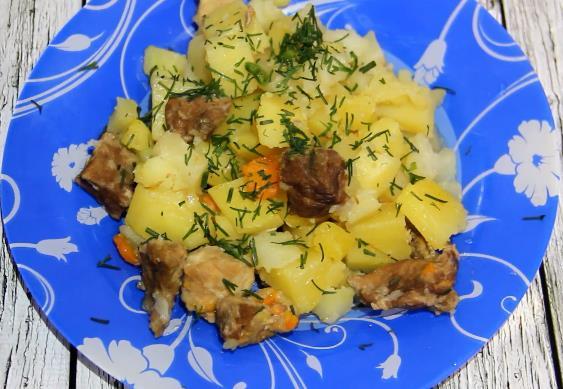 Вкусный и простой рецепт тушеной картошки с мясом в мультиварке Редмонд