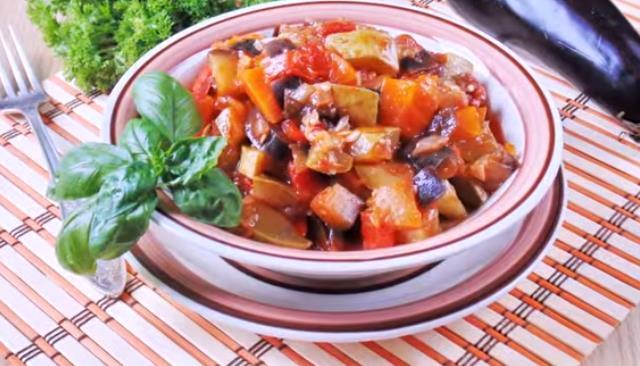Овощное рагу из кабачков и баклажанов с картошкой и мясом. Мой фото-рецепт