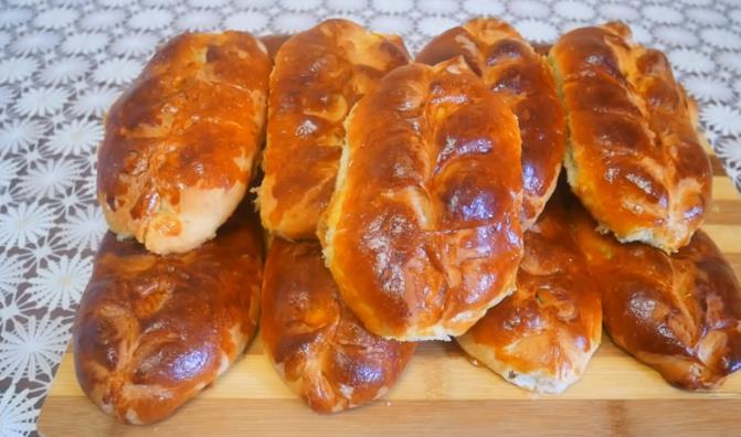 Очень красивые пирожки с яблоками в духовке на дрожжевом тесте