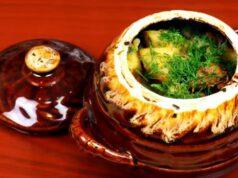 Свинина с картошкой и грибами в горшочках: рецепт вкусного жаркого в духовке