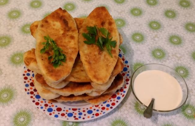 Быстрый рецепт жареных пирожков на сковороде с картошкой на кефире
