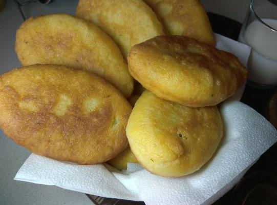 Дрожжевые жареные пирожки на сковороде на сухих дрожжах