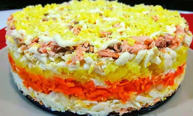 Интересный салат Мимоза для новогоднего стола. Простой рецепт для праздника