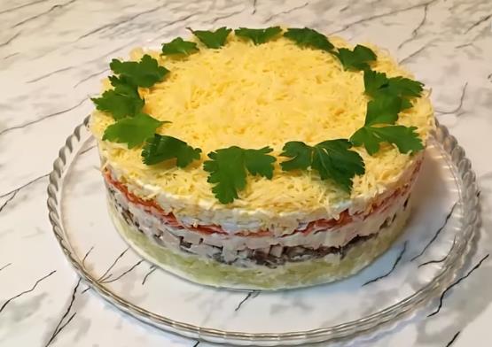 Новогодний салат Королевский — нежный и вкусный, просто тает во рту