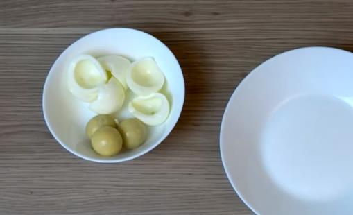 Отделить яйца