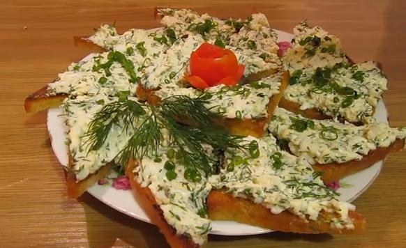 Очень вкусный рецепт бутербродов с еврейским салатом. Простой рецепт: