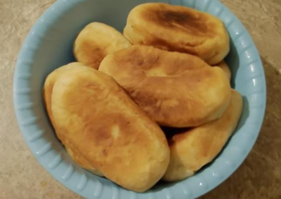 Пирожки с картошкой жаренные на сковороде на картофельном отваре