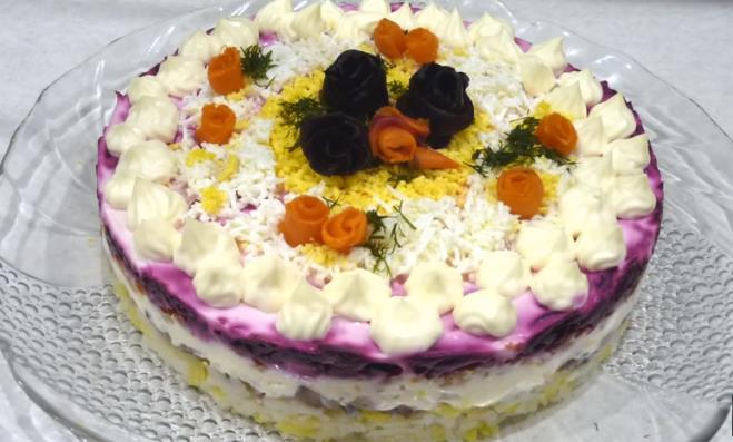Рецепт новогоднего салата Селедка под шубой