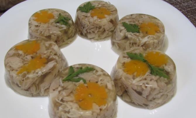 Рецепт очень вкусного домашнего холодца из курицы с желатином