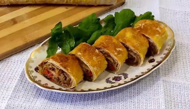 Рулет из лаваша с фаршем запеченный в духовке — рецепт вкусной закуски с мясной начинкой