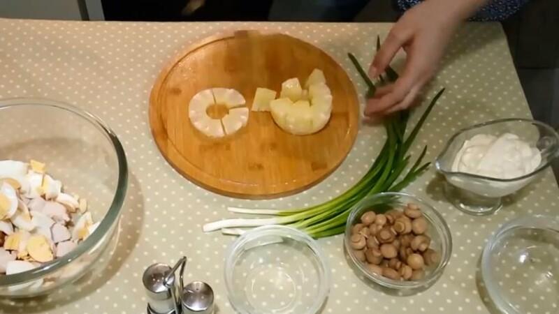 Салат с курицей и ананасом — простые и вкусные классические рецепты