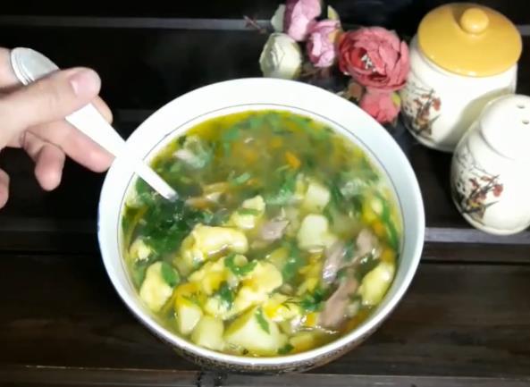 Очень вкусный рецепт супа из говядины с клецками на каждый день